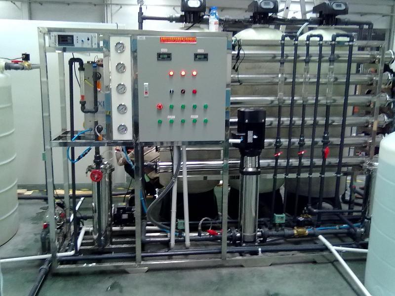 纯化水制备系统的配置方式根据地域和水源的不同而不同