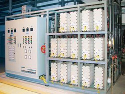 全自动软化水设备首先性能优越